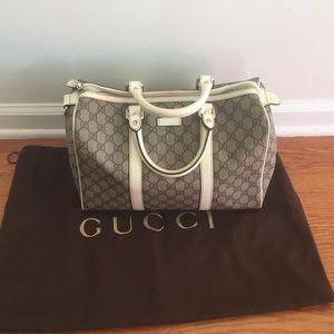 Authentic Gucci White Beige Handbag w orig dustbag